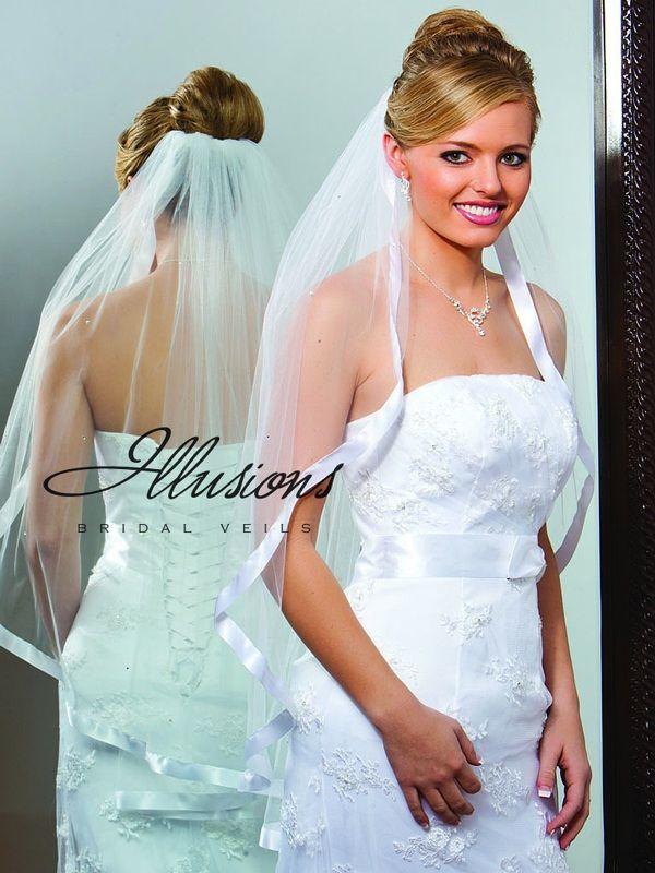 Illusions Bridal Ribbon Edge Veil 1-361-7R-RS: Pearl Accent
