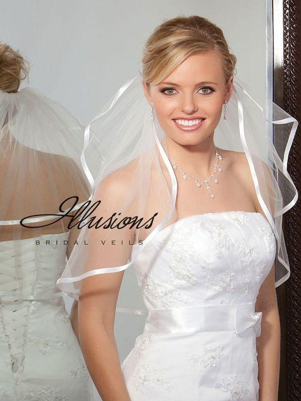 Illusions Bridal Ribbon Edge Veil S5-202-3R: Rhinestone Accent